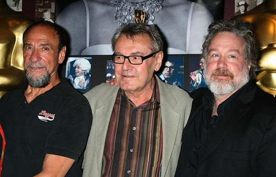 Tom Hulce s Milošem Formanem a F. Murrayem Abrahamem, který nakonec získal za Amadea Oscara.