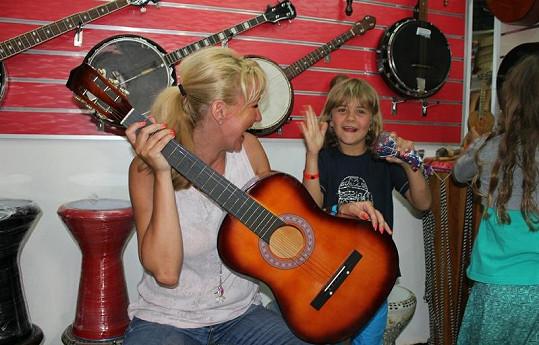 Kuba v sobě rychle našel hudební talent...