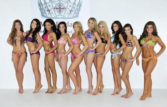 Finalistky soutěže Miss England, Amy Willerton je zcela vlevo.