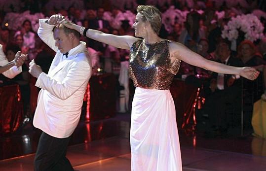 Manželé společně na plese v Monaku.