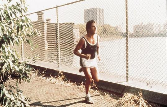 Slavná běžecká role Dustina Hoffmana ve filmu Maratónec.