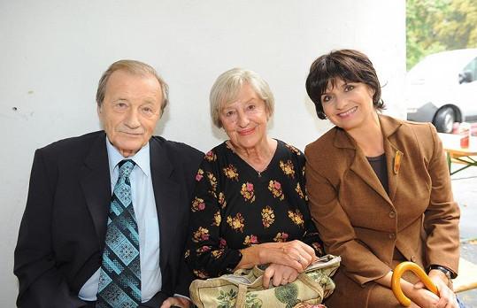 Radoslav Brzobohatý, Nina Divíšková a Veronika Freimanová čekali dlouhé hodiny na natáčení.