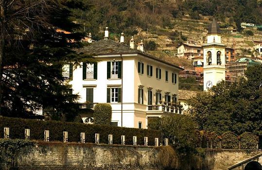 Villa Oleandra, kterou možná od George Clooneyho koupí Tom Cruise.