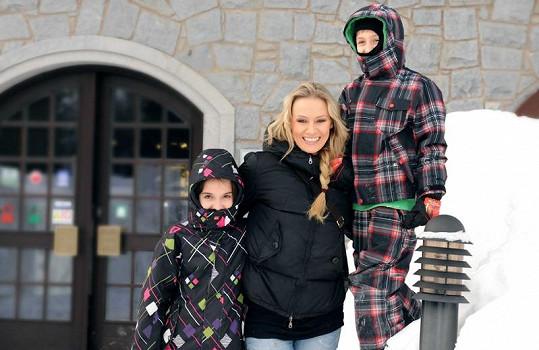 Moderátorka se synem Antoniem a dcerou Jessikou.