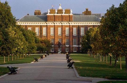 Kensingtonský palác se těší na vaši návštěvu.