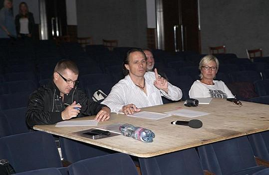 Janek Ledecký vybíral zpěváky.