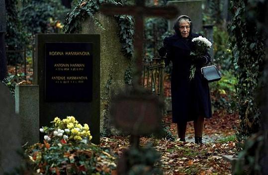 V nové minisérii Petera Bebjaka si zahrála babičku.