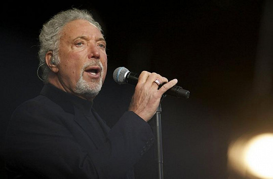 Zpěvák Tom Jones