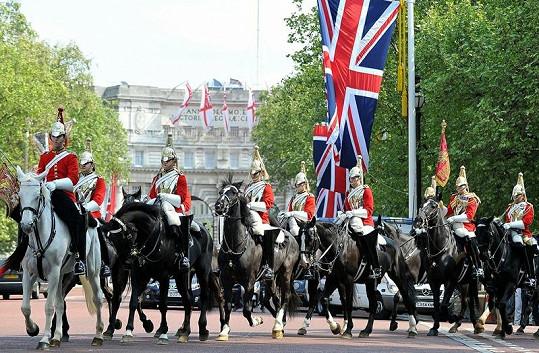 Čtvrteční přípravy na svatbu v Londýně