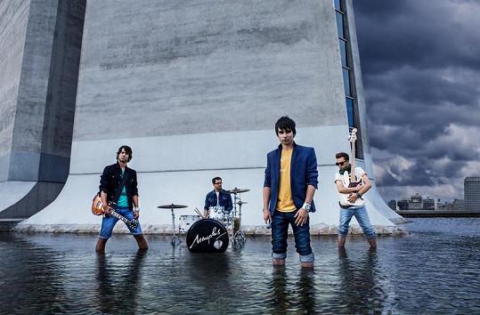 Čtyřčlenná pop-rocková kapela Memphis pochází z Hradce Králové.
