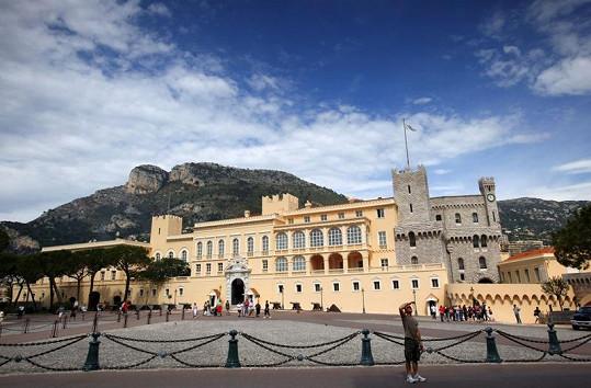 Knížecí palác, na jehož nádvoří se uskuteční svatba Alberta a Charlène.