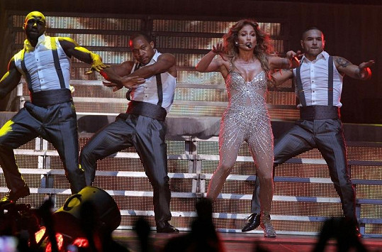 Jennifer Lopez tančila tak energicky, až odhalila intimní místo.