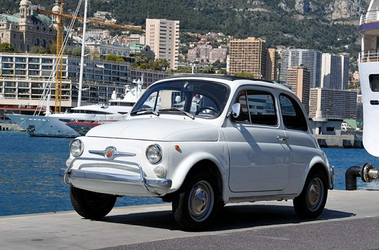 Nejlevnější položkou asi bude tento Fiat 500 z roku 1971.