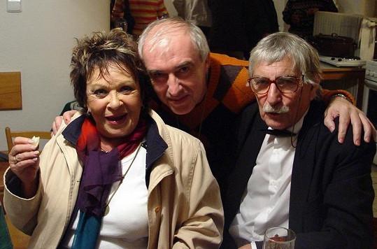 Jiřina Bohdalová s Rostislavem Prokopjukem (uprostřed) a režisérem pořadu Dobrá rada Josefem Vondráčkem.