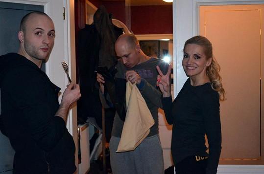 S Darou se přišel rozloučit její nejlepší kamarád a bývalý tanečník Martin Čížek s přítelem Radimem.