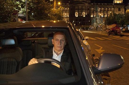 Jan Kraus v upoutávce vyměnil taxíka za vlastní auto.