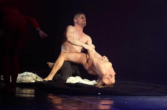 Striptérka při divokém sexu se Zbyňkem Fricem.