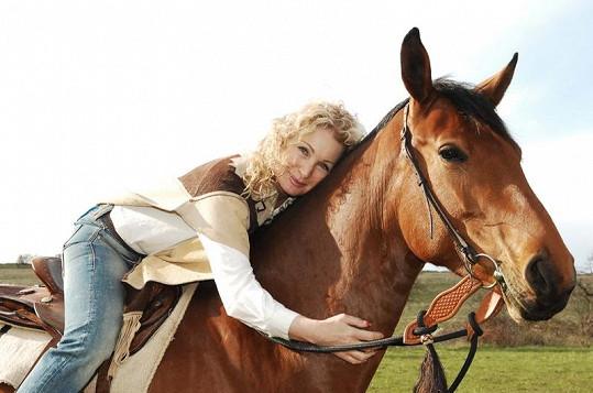 Světlana Nálepková miluje koně.