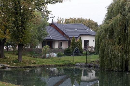 Mahulena Bočanová se pochlubila novým domem, který nechala postavit v Buštěhradu.