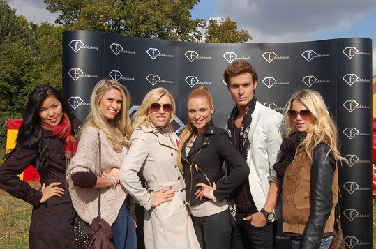 Tyto krásky a jeden krasavec bojovali o post tváře Fashion TV.
