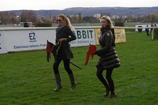 Kateřina Průšová a Dominika Mesarošová se také rvaly o vítězství.
