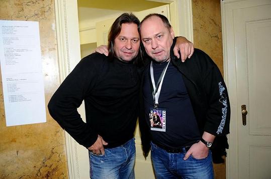 Produkční Jiří Pomeje a producent Pavel Pásek.