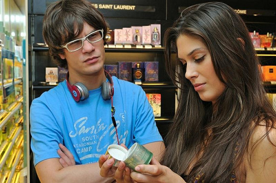 Vignerová s přítelem na nákupech