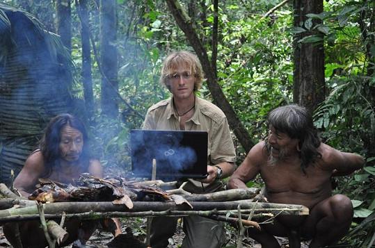 Známý dobrodruh šokoval indiány jejich obličeji na svém počítači Fujitsu.