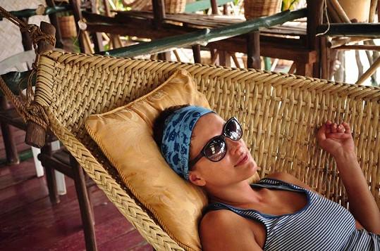 Andrea odpočívá.