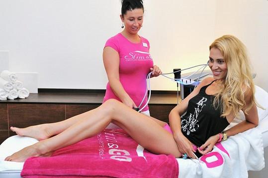 Kateřina Průšová má opravdu přepychové nohy.