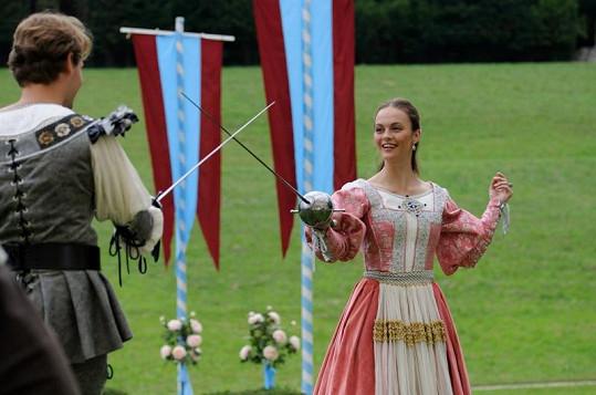 Petra Tenorová se jako něžná princezna Laura učila šermovat.