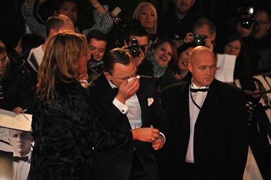 Představitel Jamese Bonda měl velkou spotřebu kapesníků.