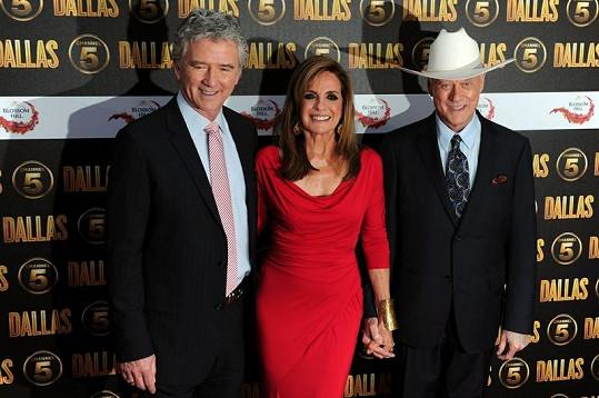 V nové sérii seriálu Dallas se objeví i známé tváře. Zleva: Patrick Duffy, Linda Gray a Larry Hagman.