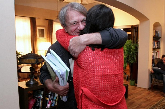 Tereza Kostková se vrhla do náruče režiséra Jiřího Adamce.