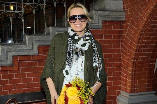 Simona Krainová vypadá necelý týden po porodu skvěle.