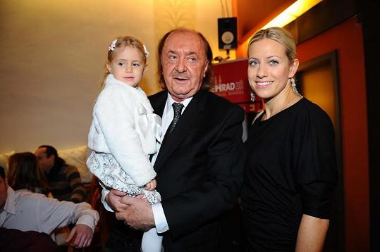 Tereza s partnerem Františkme Janečkem a dcerou Emily.