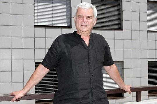 Petr Štěpánek se divákům představí v roli Václava Janáka.