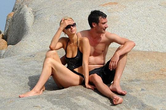 Milenci si užívali dovolenou na ostrůvku poblíž Korsiky.