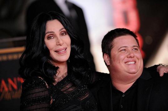 Zpěvačka Cher a Chaz Bono na loňském snímku.