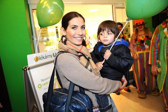 Eva Decastelo se synem Michálkem.