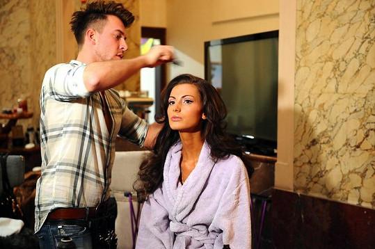 Eliška Bučková s hair stylistou Tomášem Arsovem.