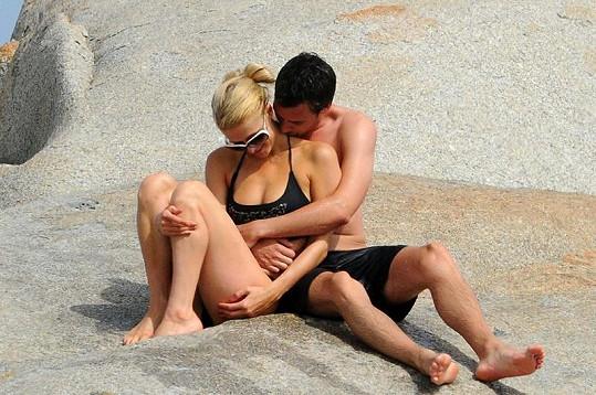Nový zamilovaný páreček Paris Hilton a Frederick.