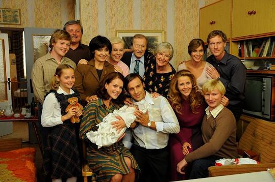 Takhle celá rodina oslavovala narození miminka.