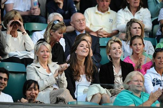 Kate si v roce 2008 užívala klidného dne na tenise.