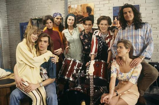 Původní sestava seriálu Helena a její chlapci. Helena s Mikulášem sedí vlevo.