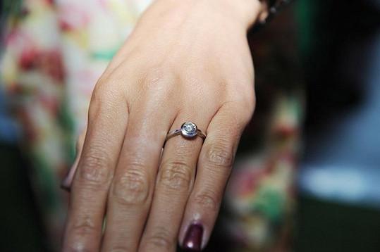 Luxusní zásnubní prstýnek stál Jelínka celé jmění.