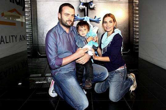 Na premiéru filmu dorazila i moderátorka Eva Decastelo se synem Michalem a manželem Reném.
