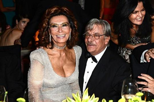 Sophia a herec a režisér Giancarlo Giannini.
