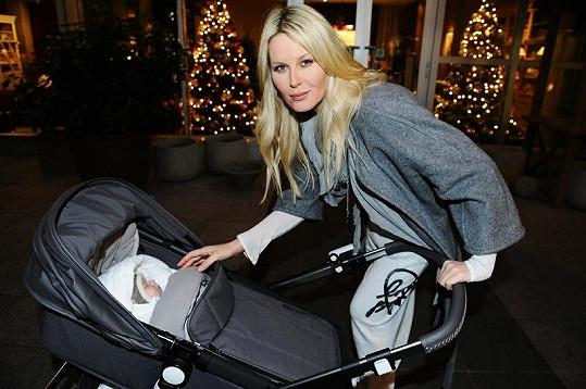 Simona Krainová přivedla na svět svého druhého syna, kterého pojmenovala Bruno.