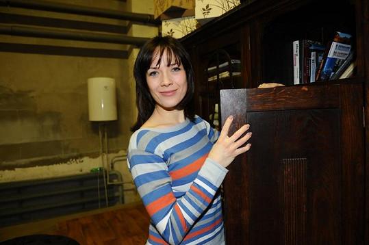 Tereza Kostková má rošťácký úsměv.